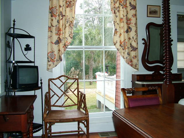 Bed and breakfast cottage, Antebellum Music Room B&B, Natchez, MS
