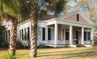 804 Washington Street, Natchez, MS.